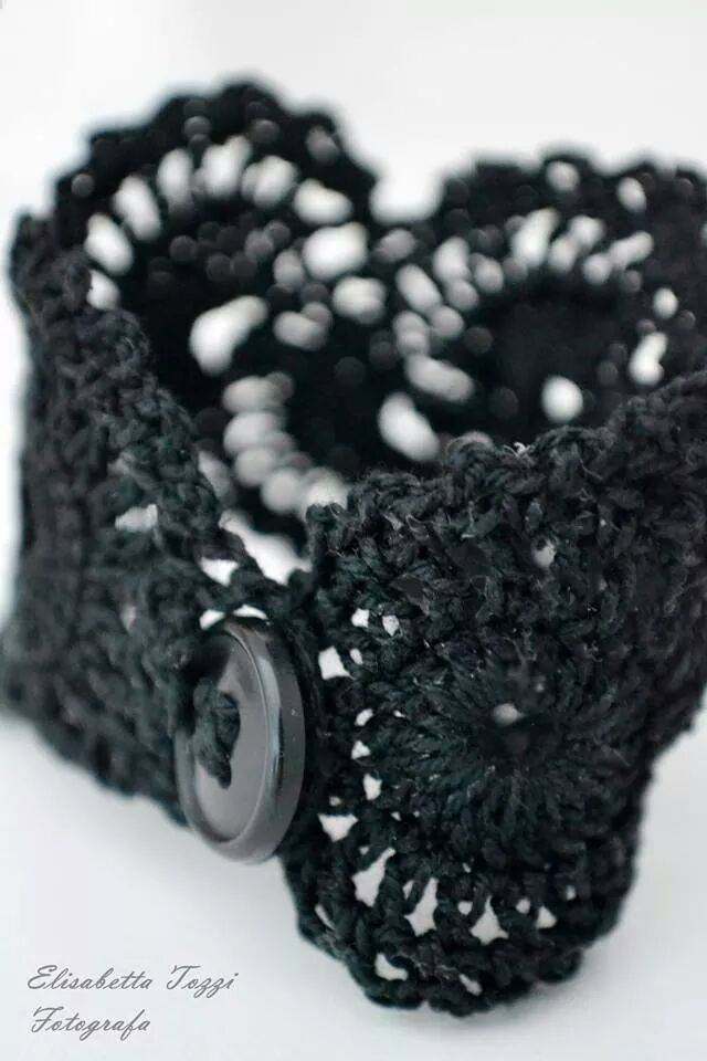 crochet bracelet fotografia black