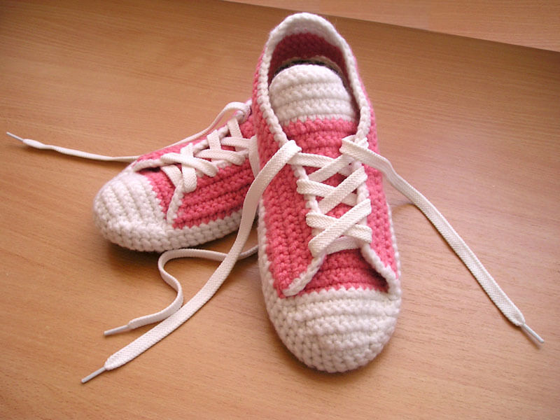 Free Crochet Pattern For High Top Slippers : Converse All Star per Adulti allUncinetto