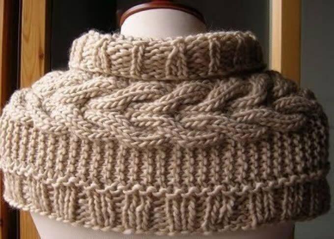 Free Baby Socks Knitting Pattern : Sciarpa con motivo a treccia lavorata a maglia
